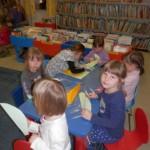 839 6 150x150 - Cvetoča pravljična urica z ustvarjalno delavnico za otroke od 4. leta dalje