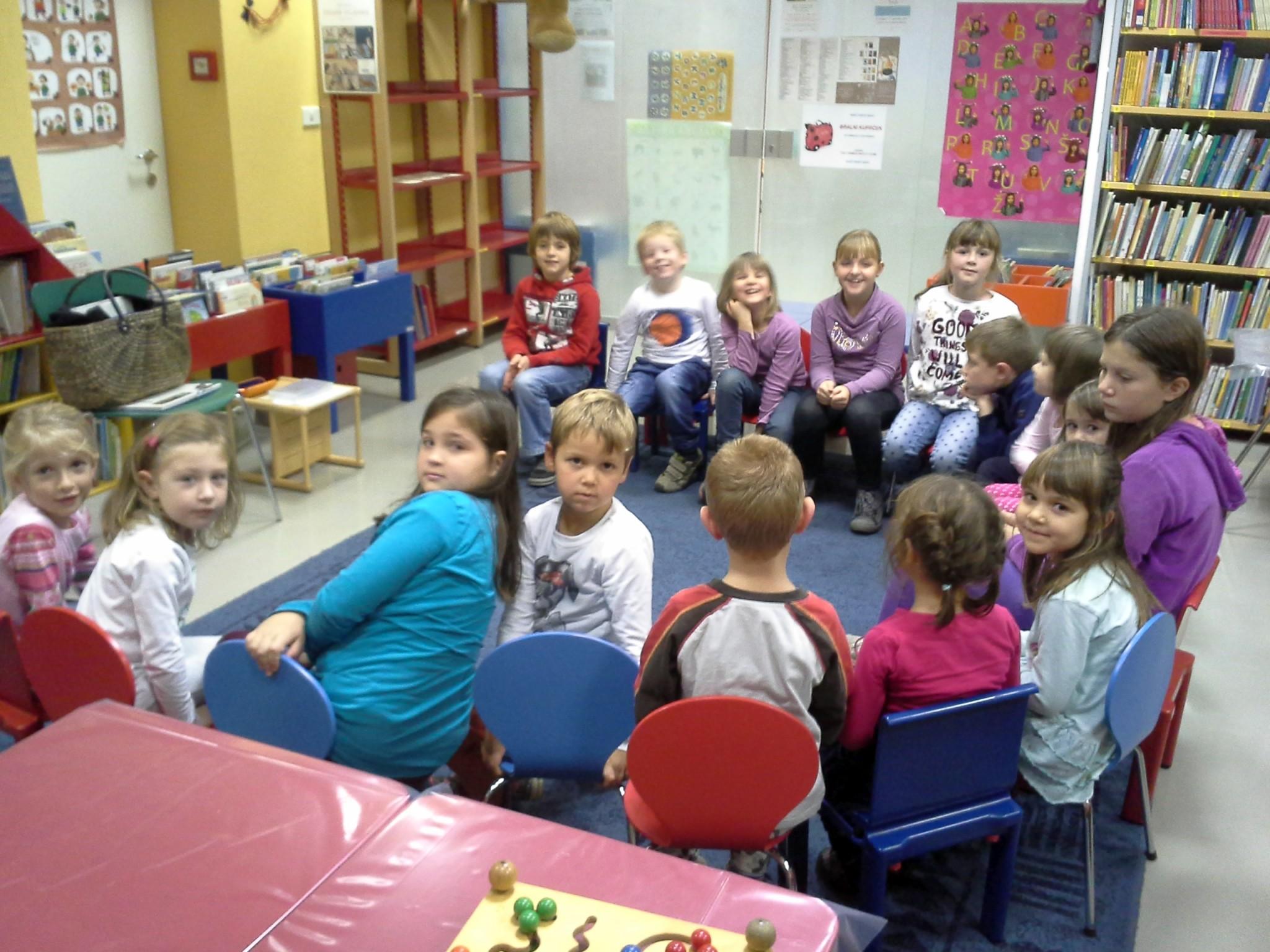20151105 170904 - Pravljični listopad - pravljična urica z ustvarjalno delavnico za otroke od 4. leta dalje