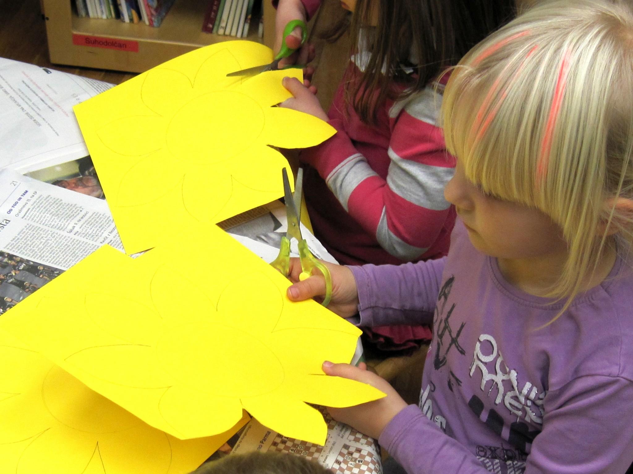 IMG 2295 - Pravljična urica z ustvarjalno delavnico za otroke od 4. leta dalje