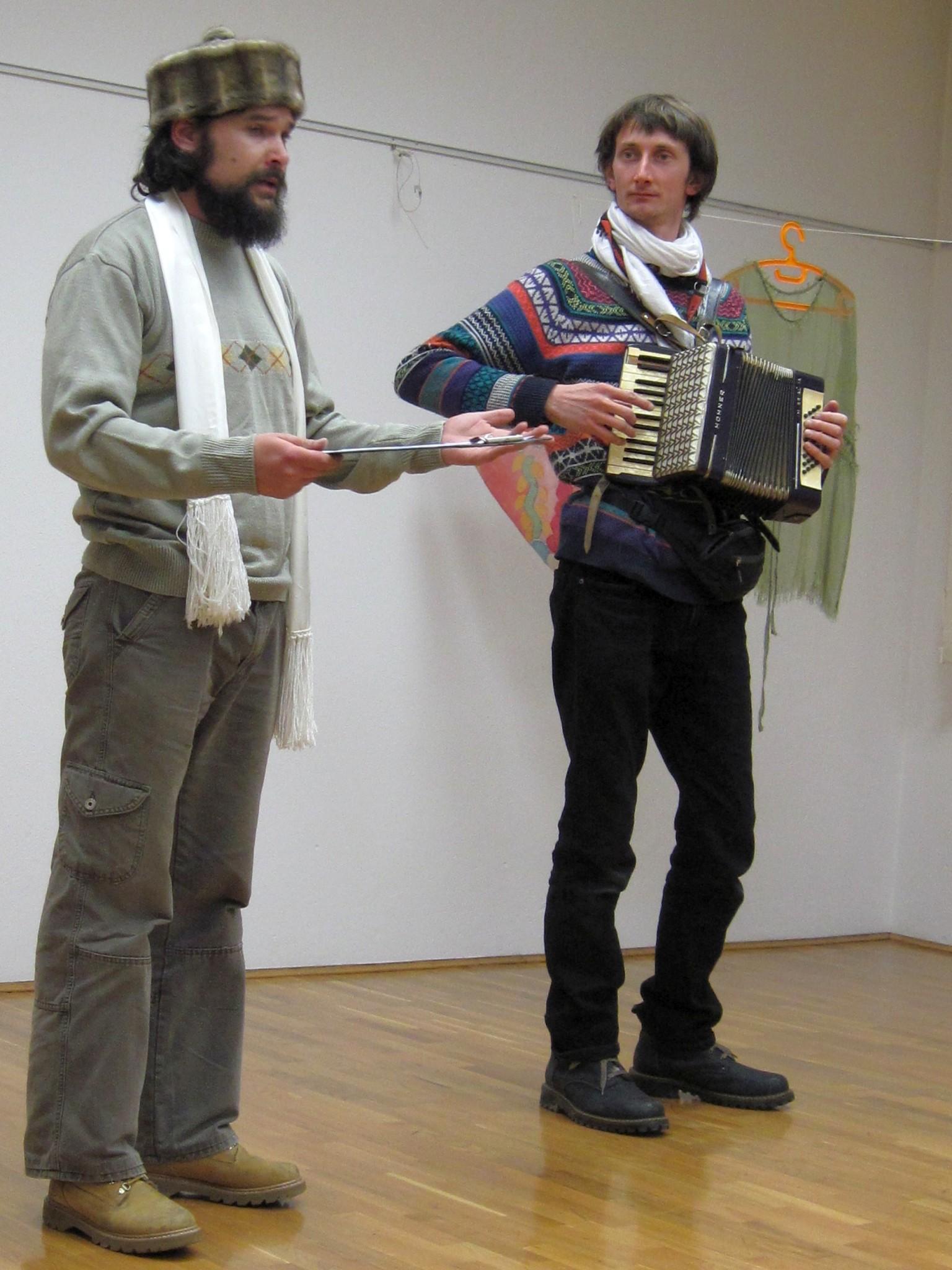 IMG 2368 - Sonja Butina: Stare rute in šali - razstava