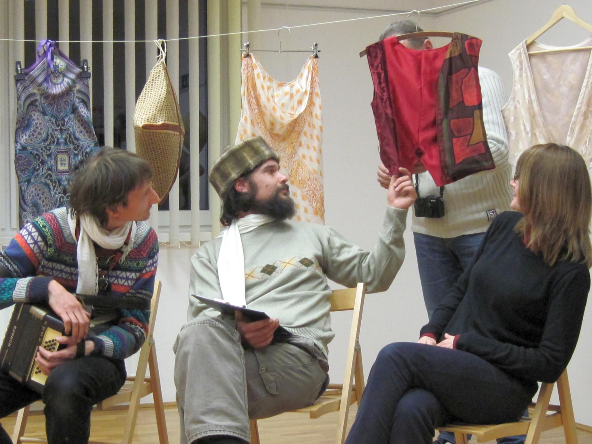 IMG 2370 - Sonja Butina: Stare rute in šali - razstava