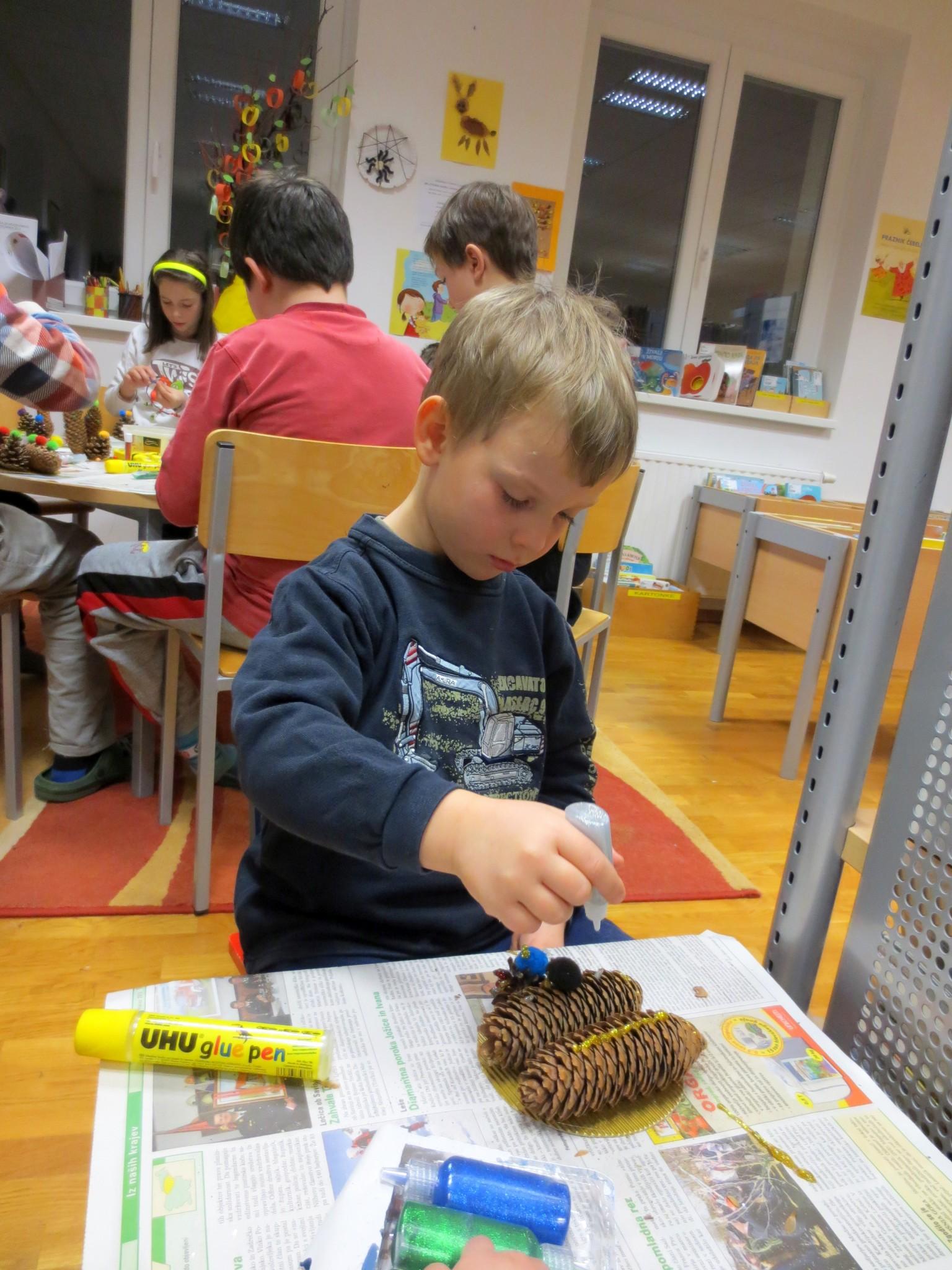 IMG 3208 - Pravljična ura in ustvarjalna delavnica za otroke od 4. leta dalje
