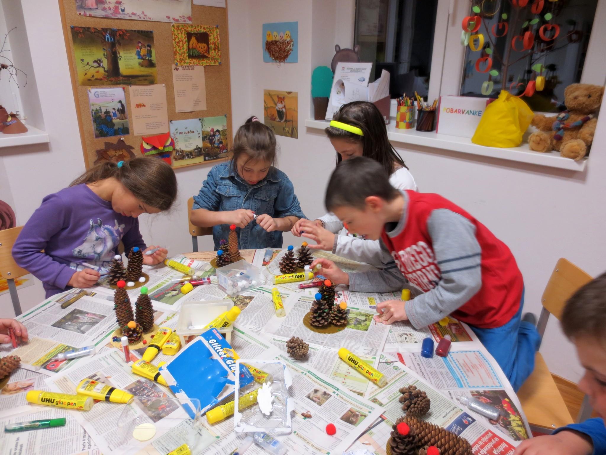 IMG 3209 - Pravljična ura in ustvarjalna delavnica za otroke od 4. leta dalje