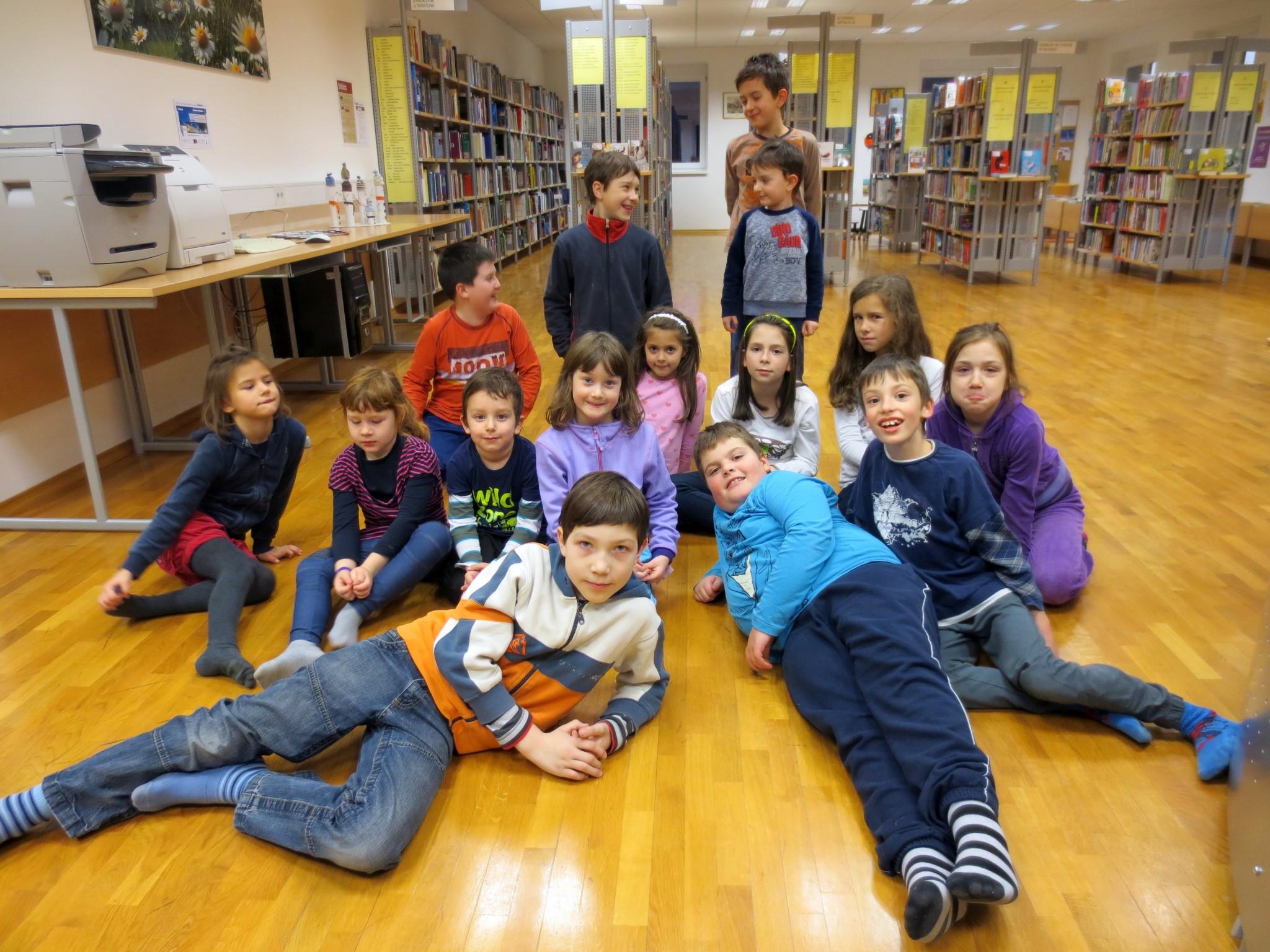 IMG 3382 - Pravljična ura in ustvarjalna delavnica za otroke od 4. leta dalje