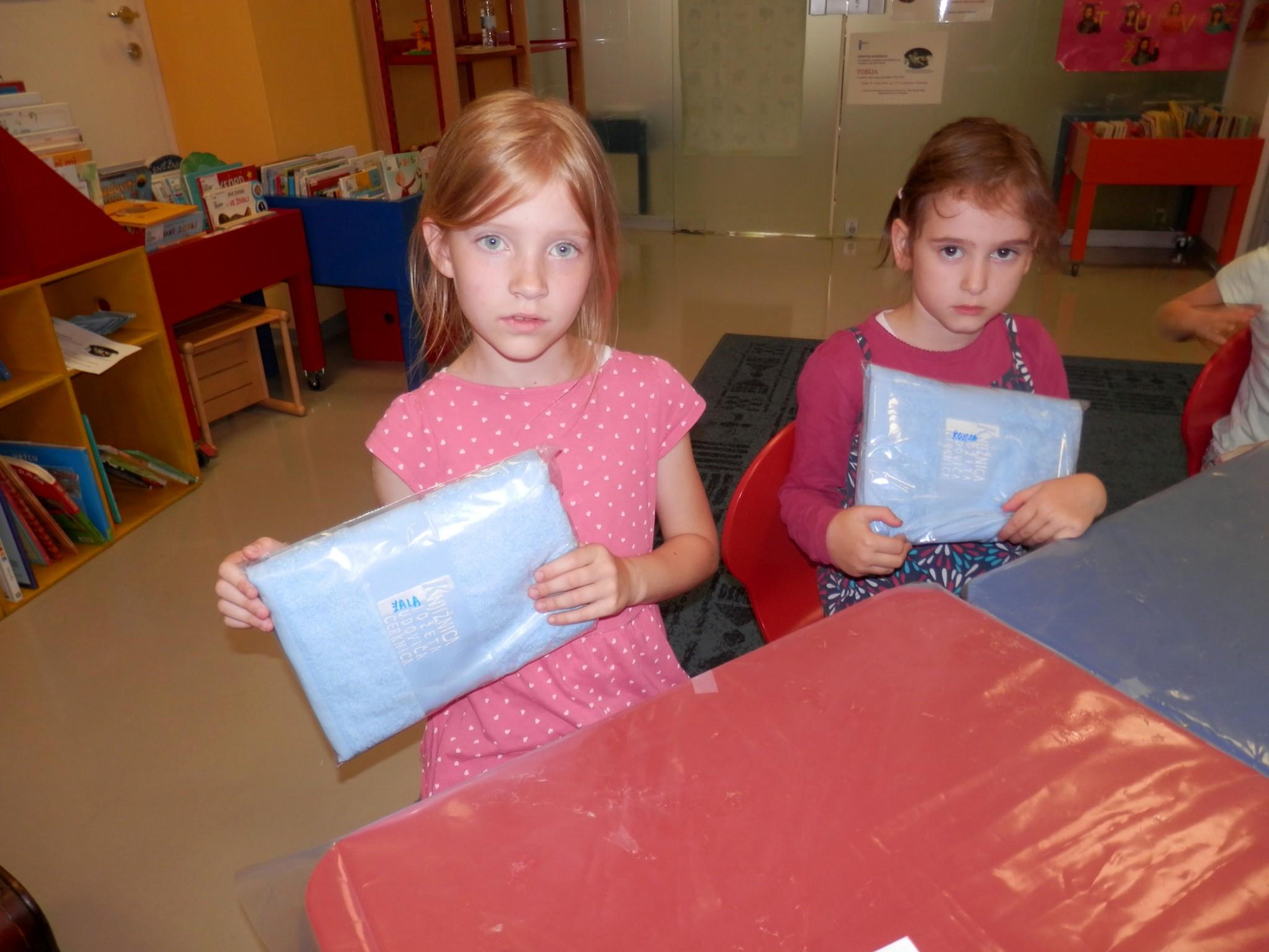 P6160149 - Pravljični rožnik - pravljična urica z ustvarjalno delavnico za otroke od 4. leta dalje