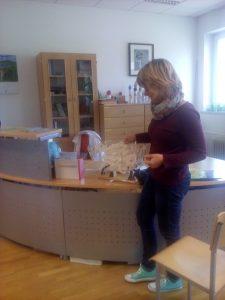 20160927 105258 225x300 - Obisk otrok iz novovaškega vrtca v bloški knjižnici