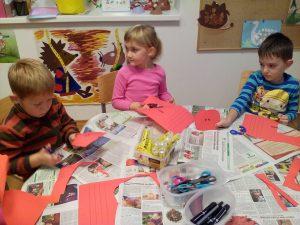 20161020 173533 300x225 - Pravljična ura in ustvarjalna delavnica za otroke od 4. leta dalje