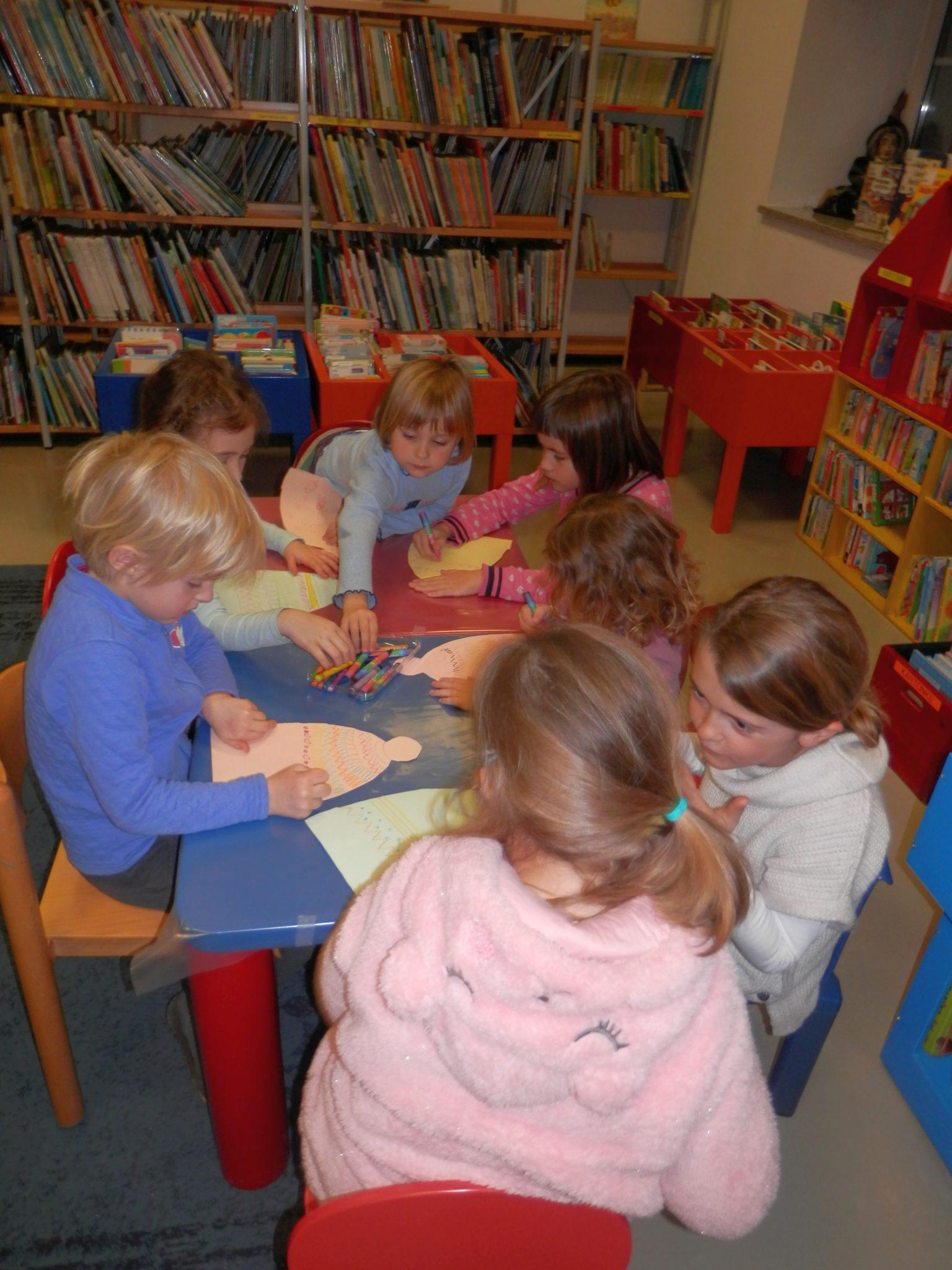 P1040023 - Novoletna pravljična urica z ustvarjalno delavnico za otroke od 4. leta dalje