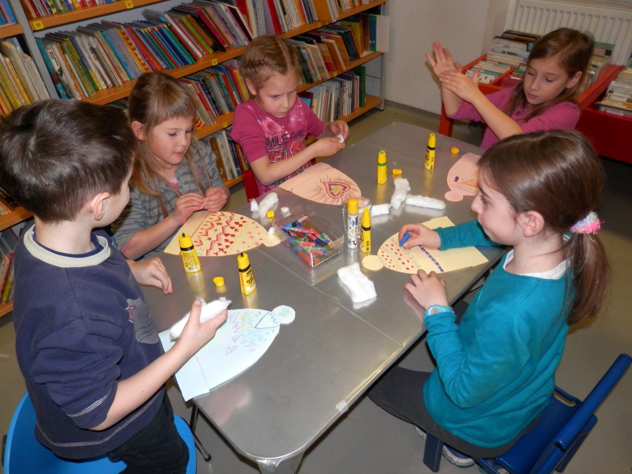 P1040028 - Novoletna pravljična urica z ustvarjalno delavnico za otroke od 4. leta dalje