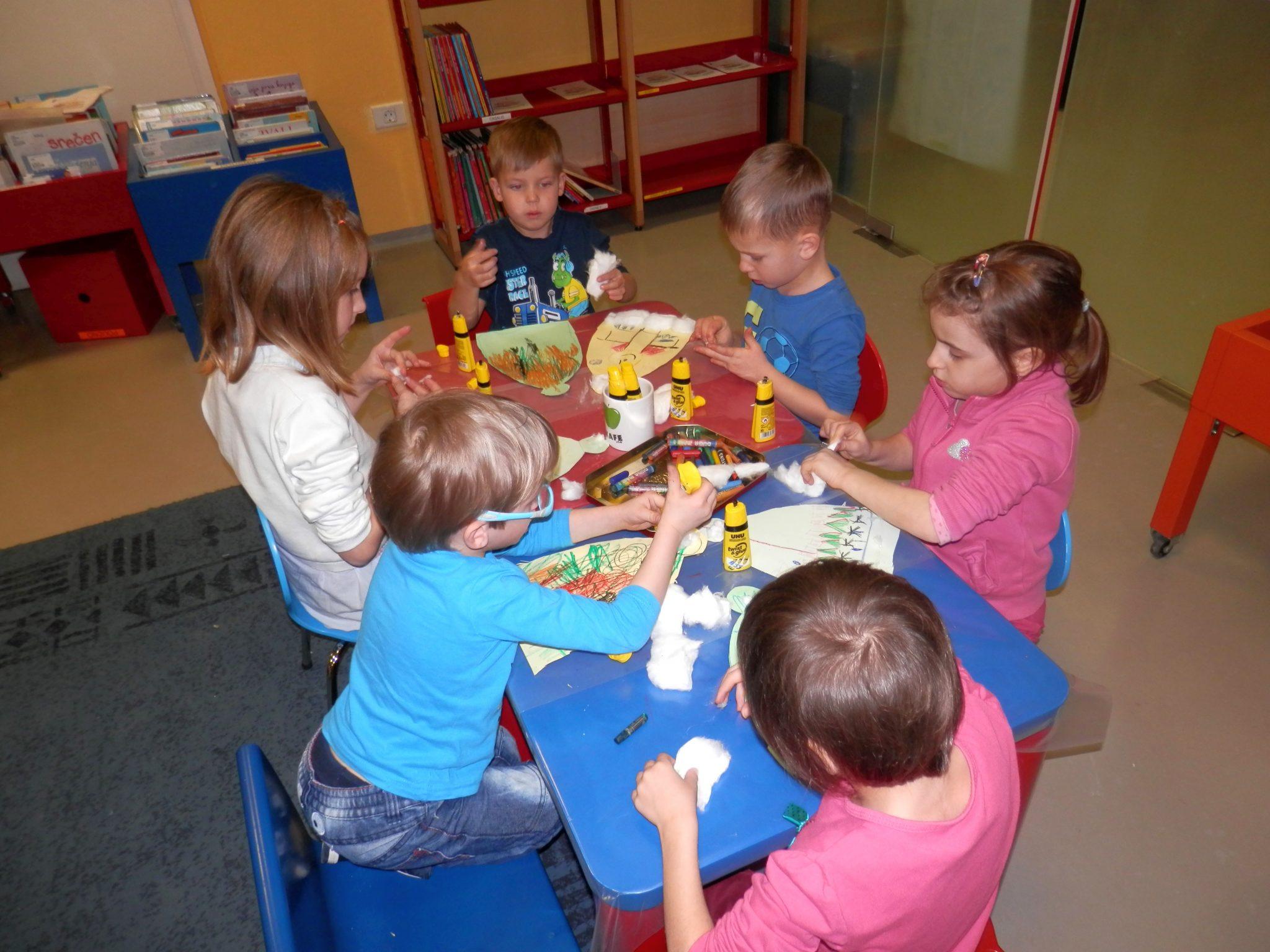 P1040029 - Novoletna pravljična urica z ustvarjalno delavnico za otroke od 4. leta dalje