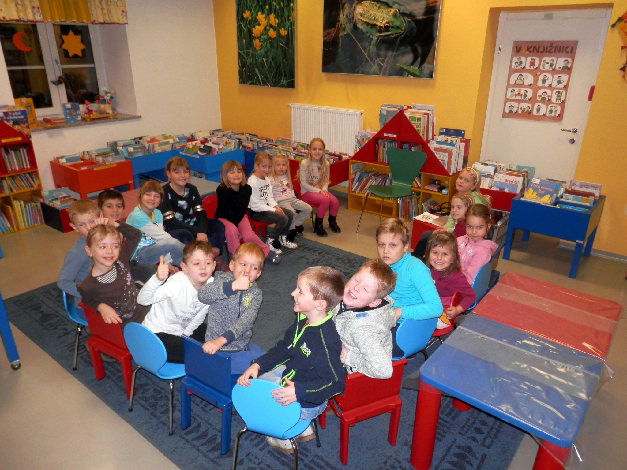 P1050026 - Novoletna pravljična urica z ustvarjalno delavnico za otroke od 4. leta dalje