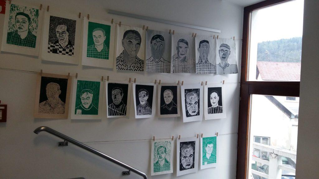 20170306 114823 1024x576 - Slikanje portretov: Valvasor, Udovič - razstava likovnih del osnovnošolcev