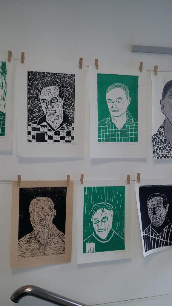 20170306 114843 576x1024 - Slikanje portretov: Valvasor, Udovič - razstava likovnih del osnovnošolcev