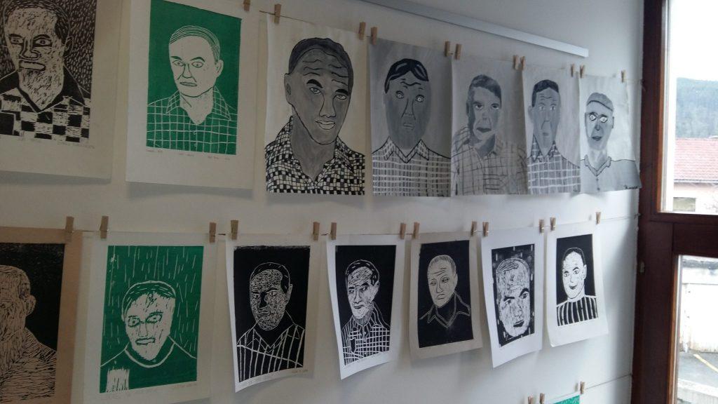 20170306 114858 1024x576 - Slikanje portretov: Valvasor, Udovič - razstava likovnih del osnovnošolcev