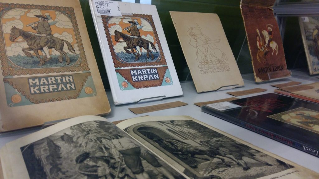 20170508 131348 1024x576 - Razstava knjižnih izdaj ob 100-letnici izida slikanice Martin Krpan z Vrha s podobami Hinka Smrekarja