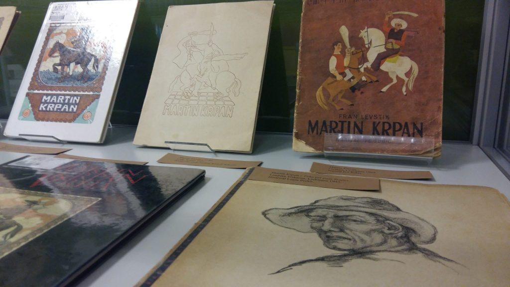 20170508 131433 1024x576 - Razstava knjižnih izdaj ob 100-letnici izida slikanice Martin Krpan z Vrha s podobami Hinka Smrekarja