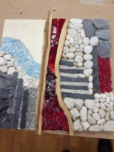 IMG 20170303 191858 225x300 - Počitniški tečaj izdelovanja mozaikov v starotrški knjižnici