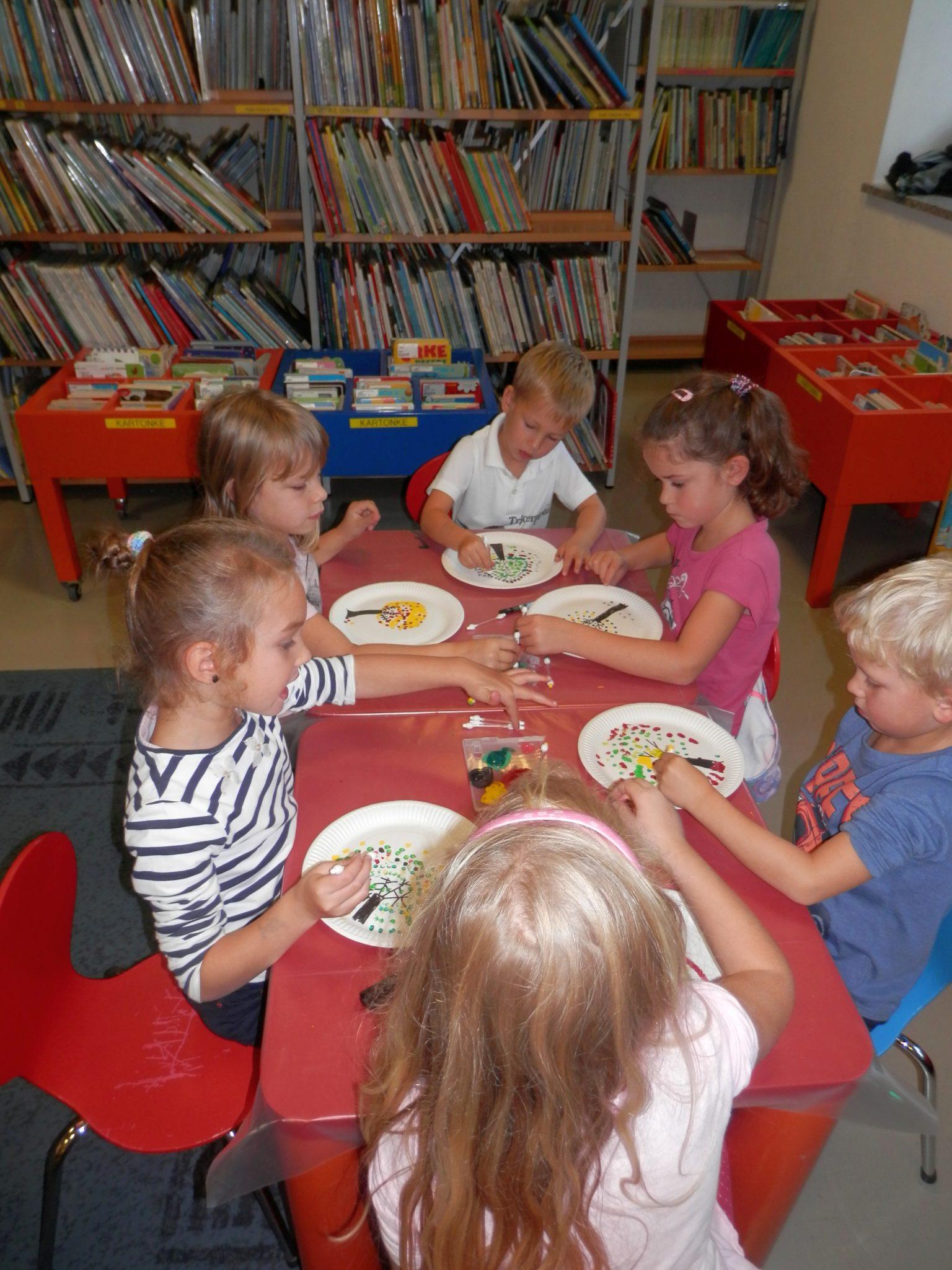 P9290002 - Pravljična urica z ustvarjalno delavnico za otroke od 4. leta dalje