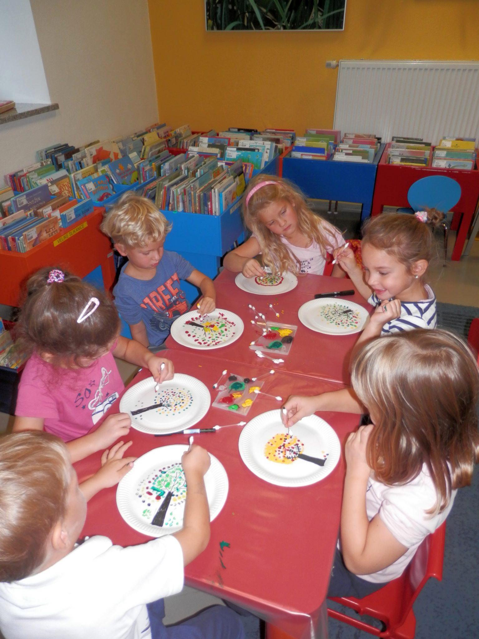 P9290003 - Pravljična urica z ustvarjalno delavnico za otroke od 4. leta dalje