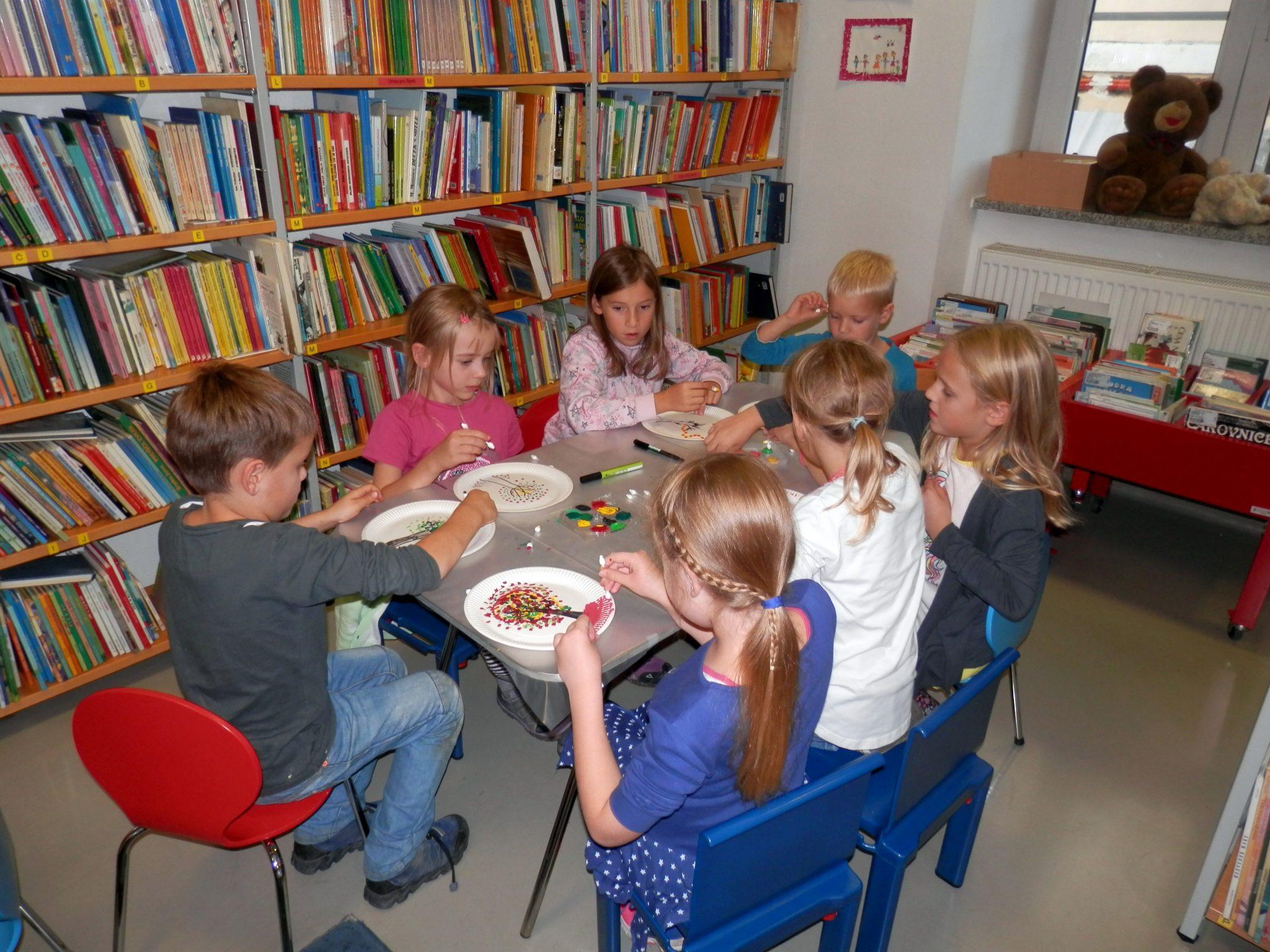P9290004 - Pravljična urica z ustvarjalno delavnico za otroke od 4. leta dalje