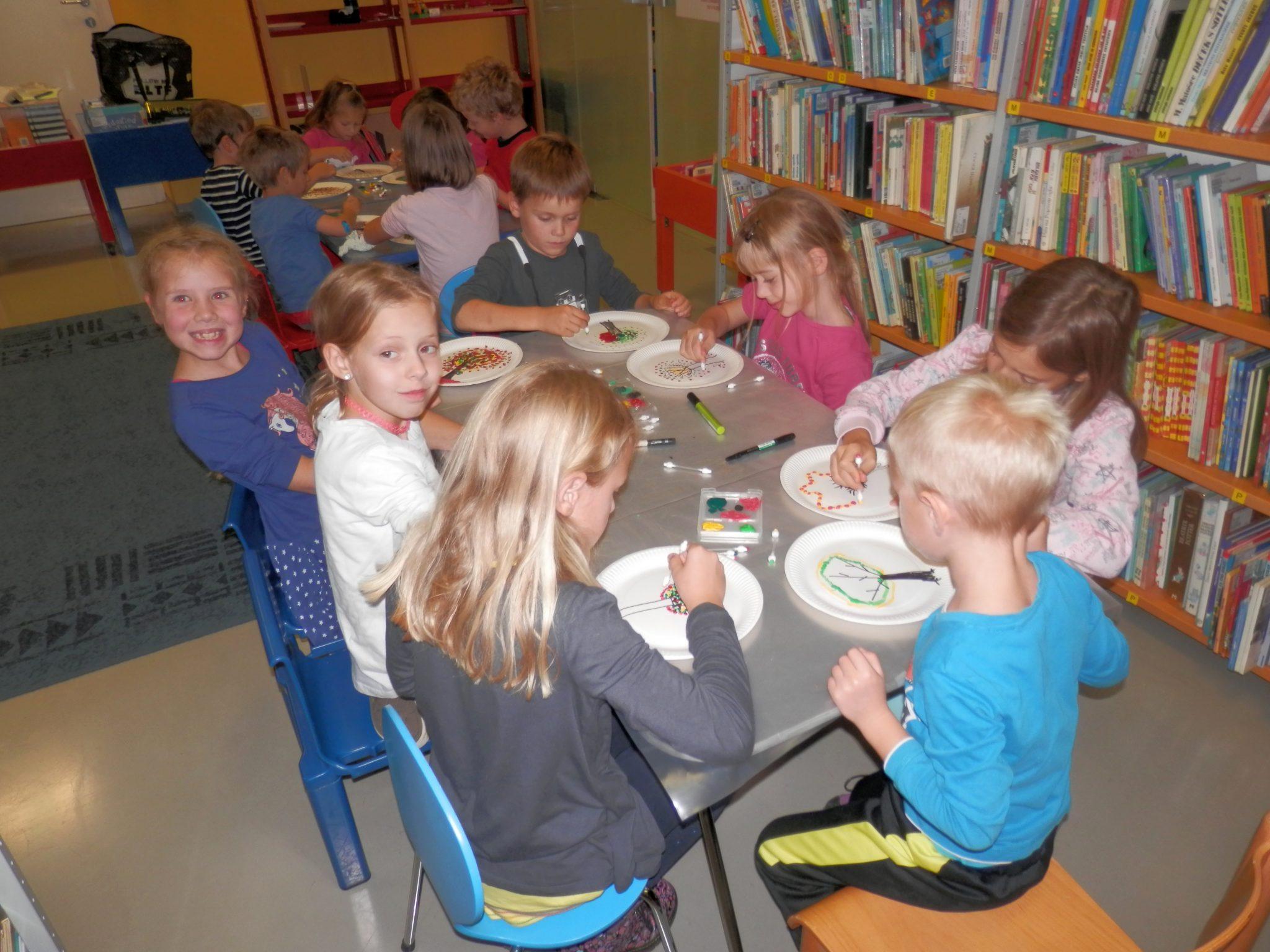 P9290005 - Pravljična urica z ustvarjalno delavnico za otroke od 4. leta dalje
