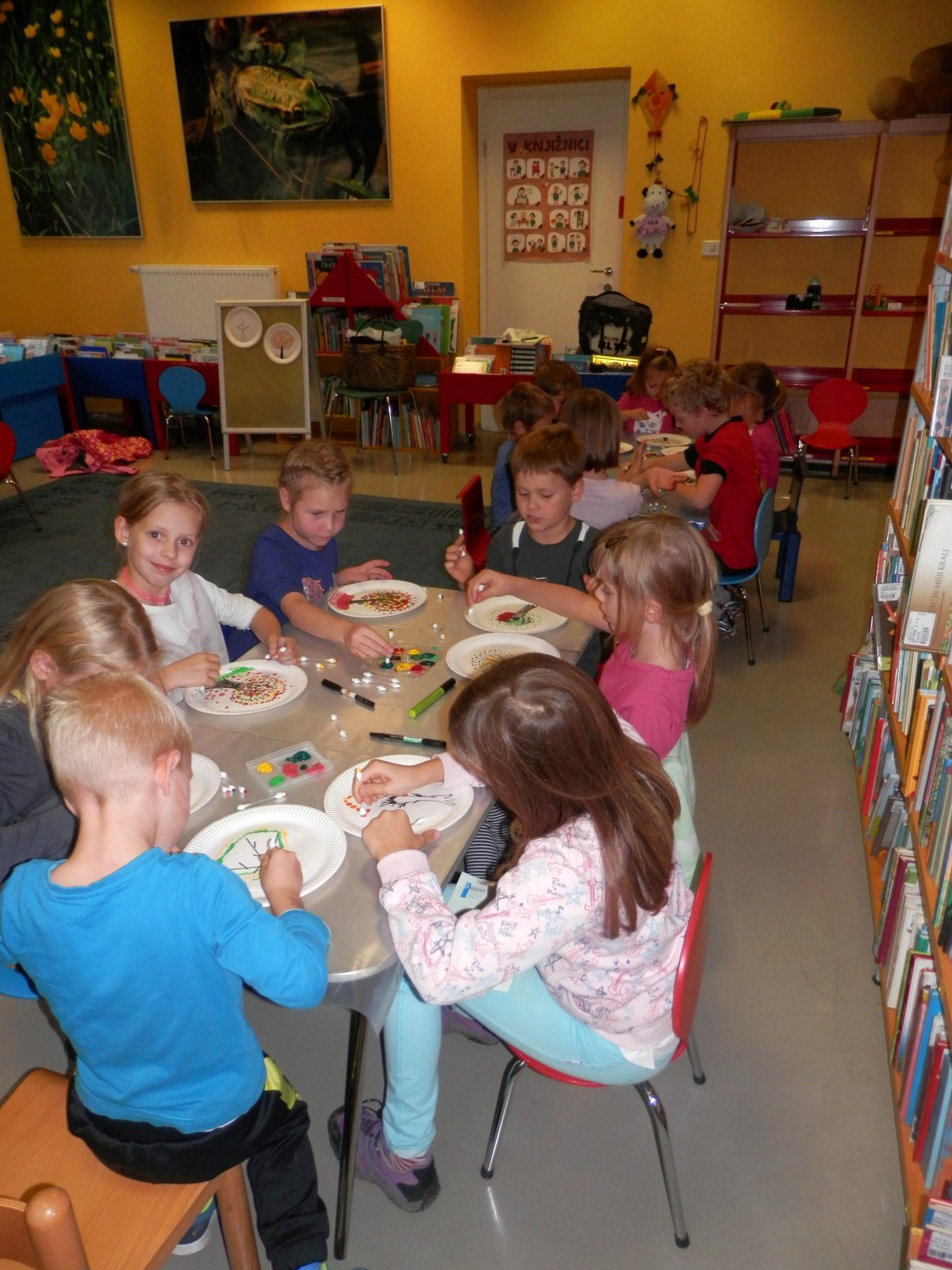 P9290006 - Pravljična urica z ustvarjalno delavnico za otroke od 4. leta dalje