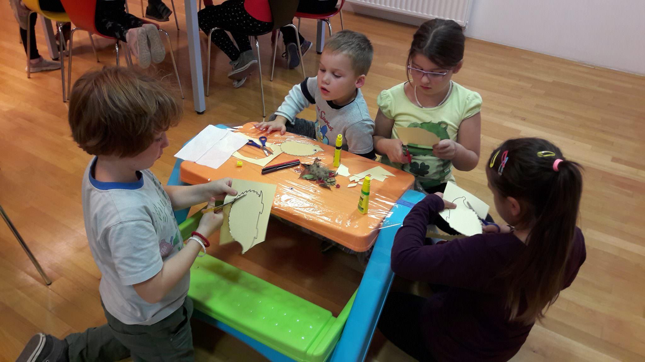 20171017 174500 - Pravljična urica z ustvarjalno delavnico za otroke od 4. leta dalje – Rakek