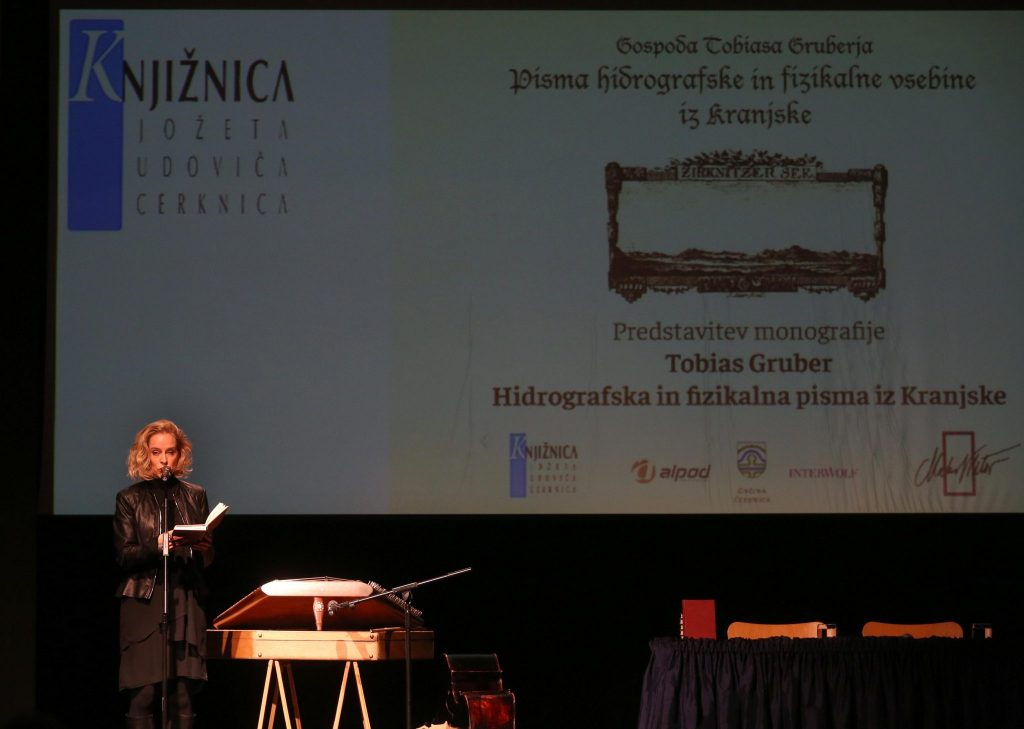 GRUBER 07 FOTO LJUBO VUKELIČ 1024x729 - Hidrografska pisma Tobiasa Gruberja predstavljena v Kulturnem domu