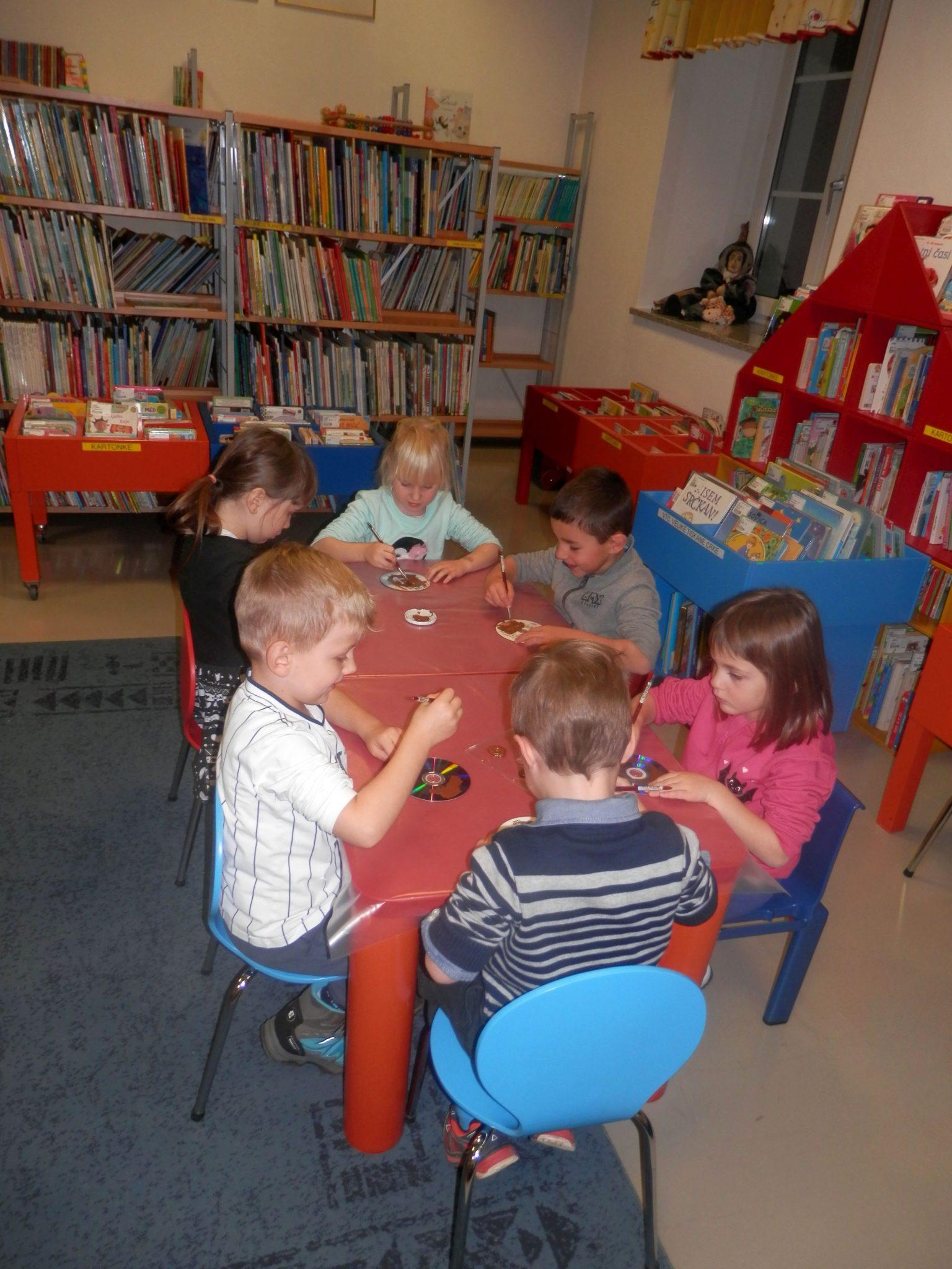 PB220004 - HU-HU pravljična urica z ustvarjalno delavnico za otroke od 4. leta dalje