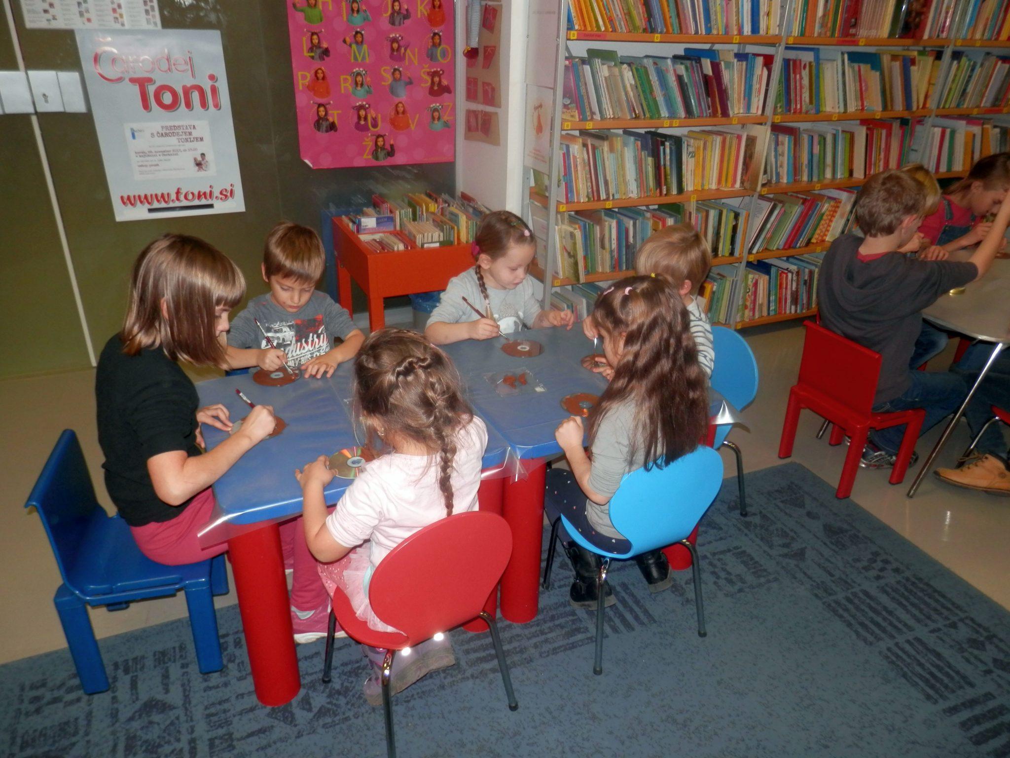 PB220006 - HU-HU pravljična urica z ustvarjalno delavnico za otroke od 4. leta dalje