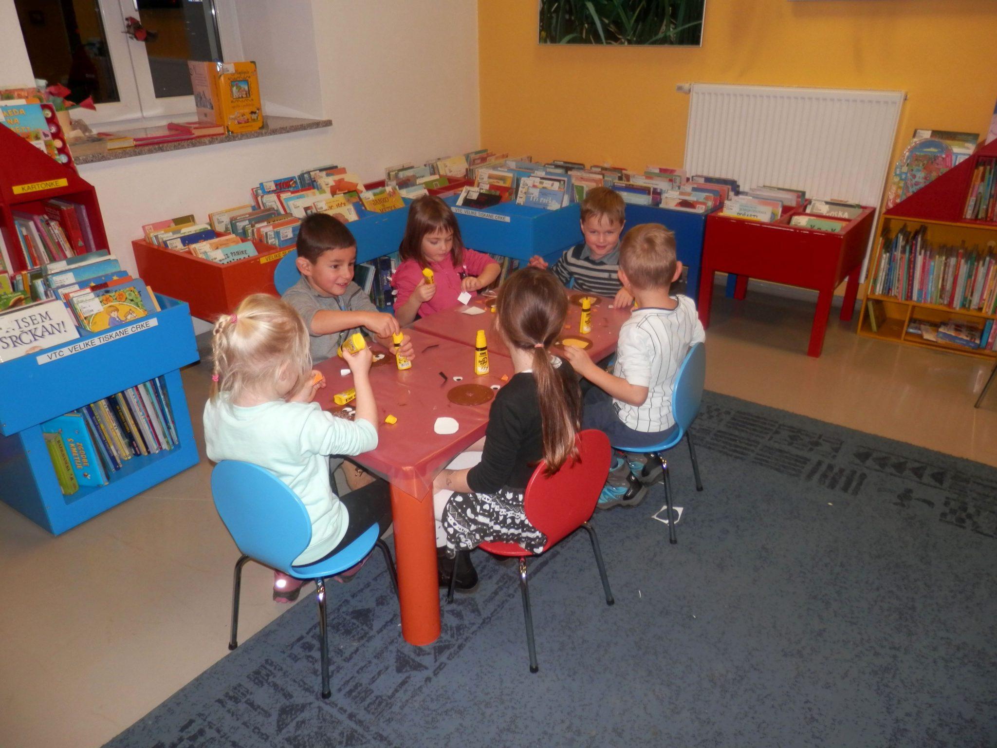 PB220018 - HU-HU pravljična urica z ustvarjalno delavnico za otroke od 4. leta dalje