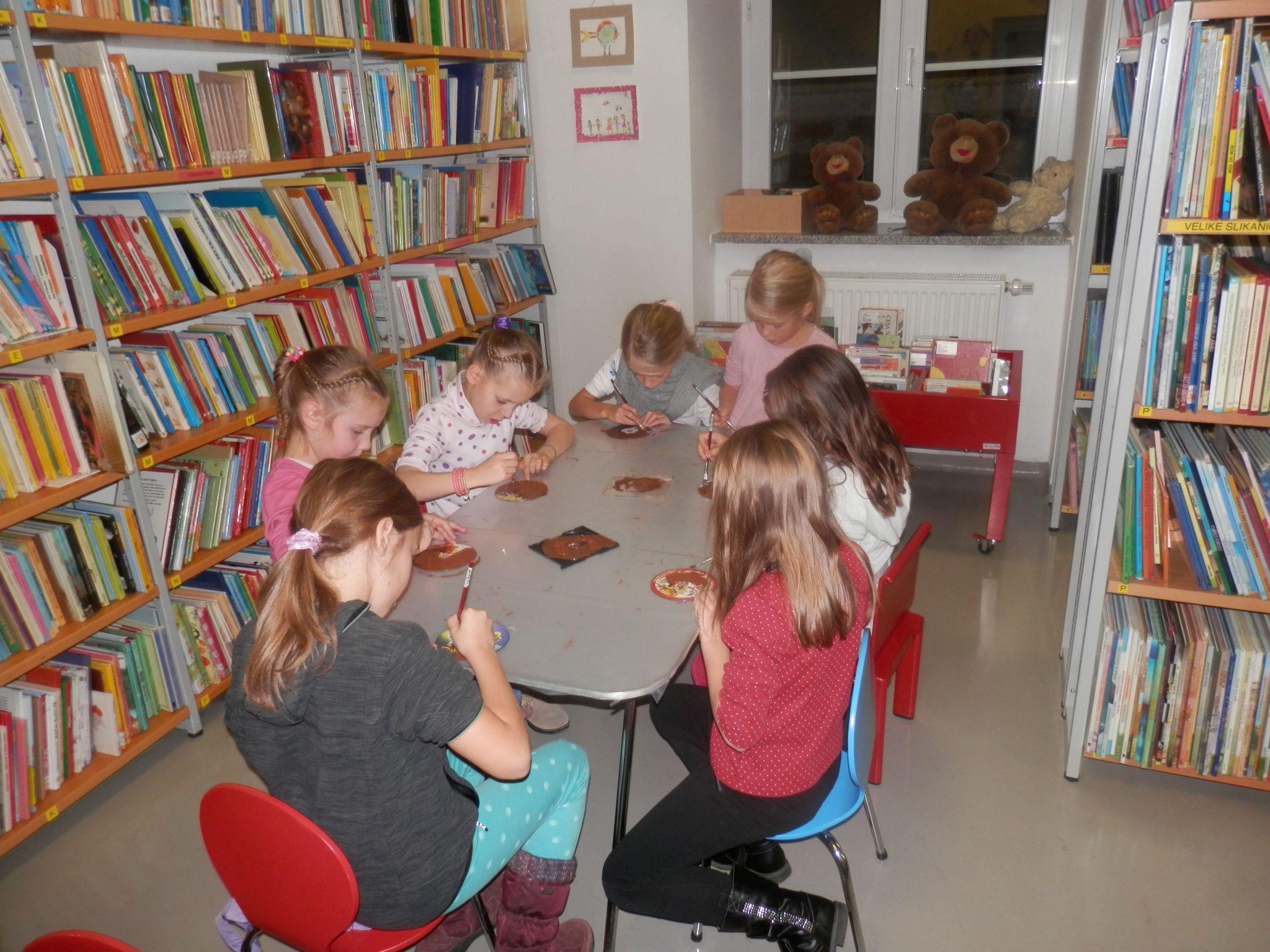PB230040 - HU-HU pravljična urica z ustvarjalno delavnico za otroke od 4. leta dalje