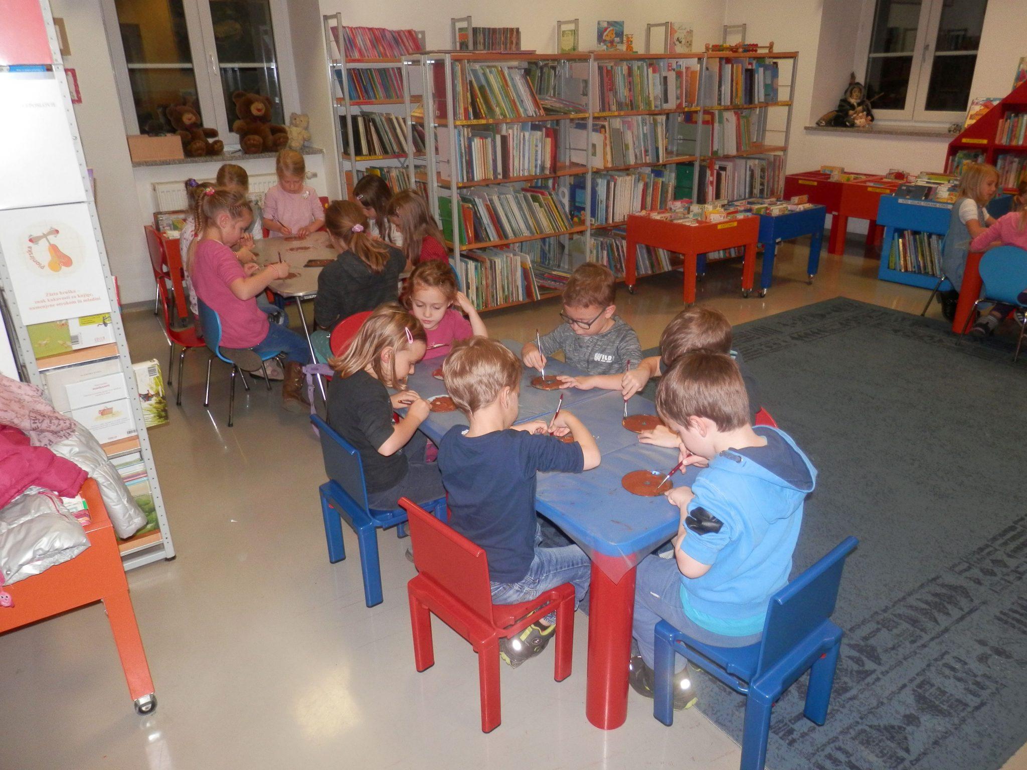 PB230042 - HU-HU pravljična urica z ustvarjalno delavnico za otroke od 4. leta dalje