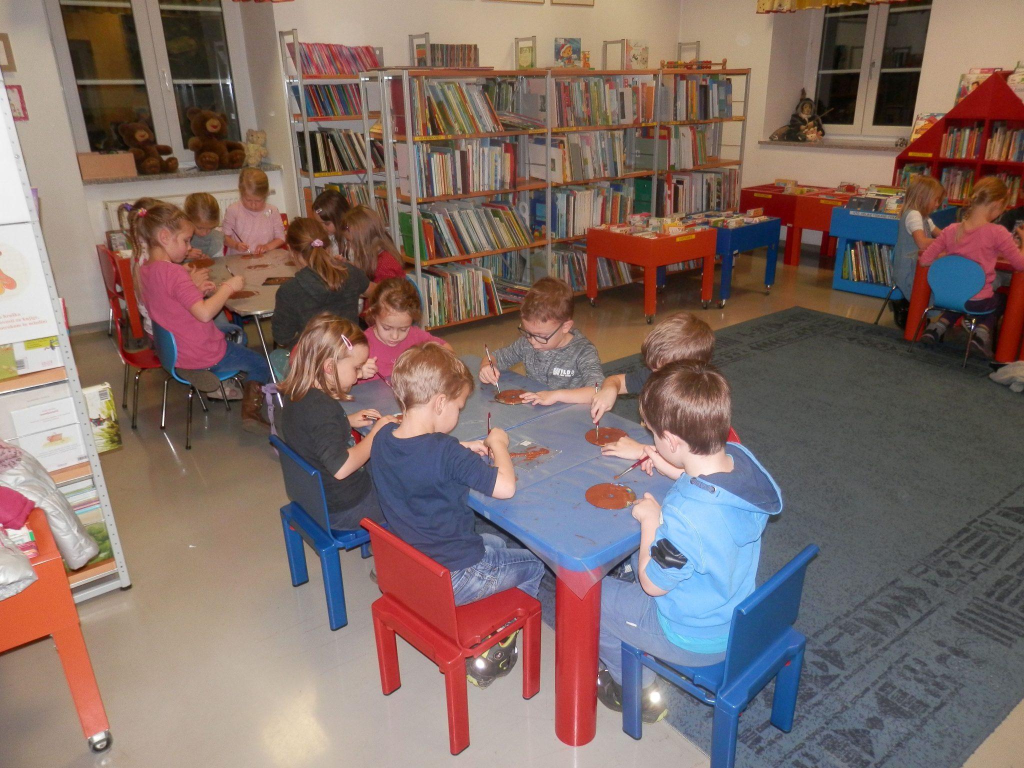 PB230043 - HU-HU pravljična urica z ustvarjalno delavnico za otroke od 4. leta dalje