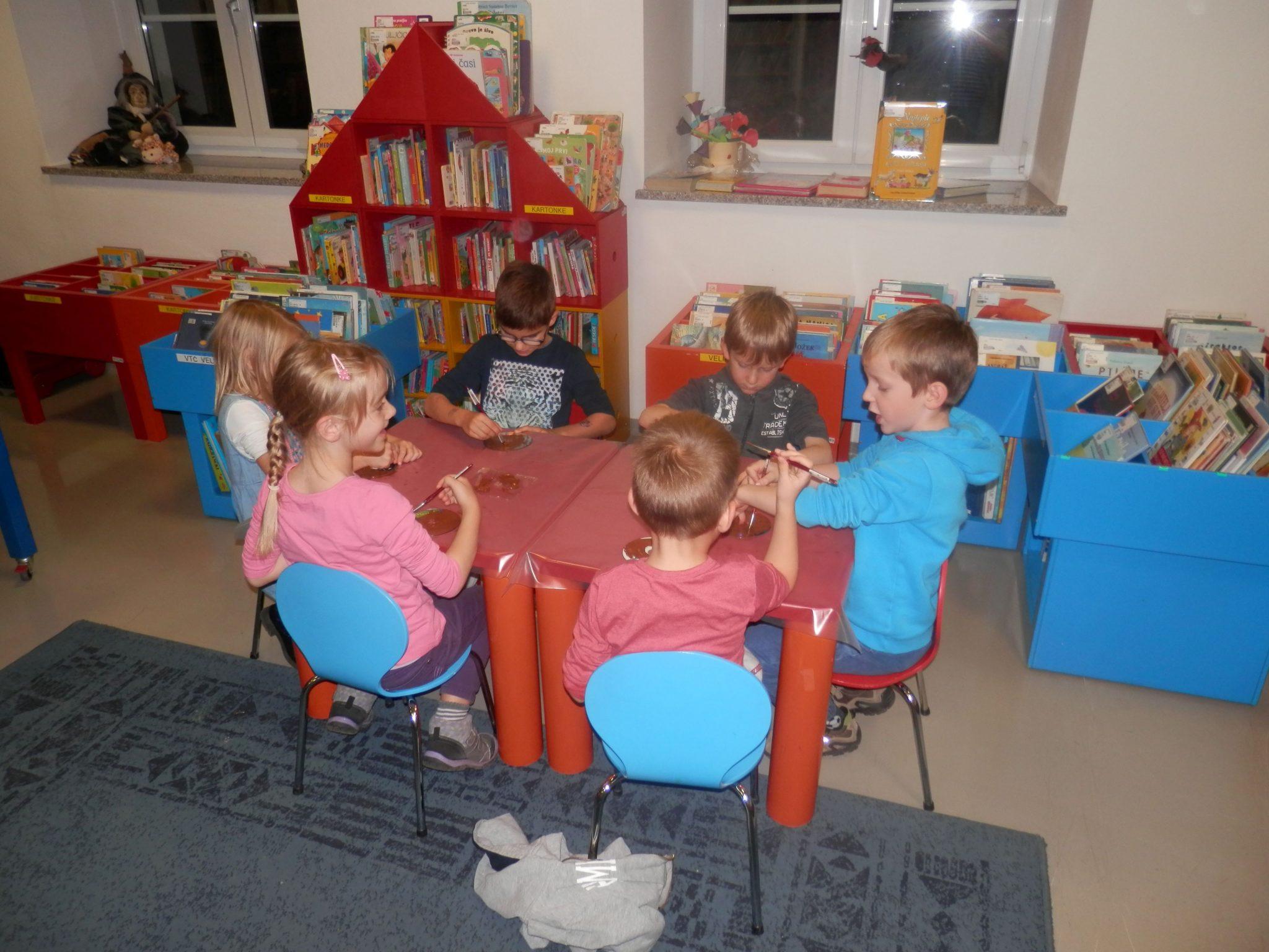 PB230044 - HU-HU pravljična urica z ustvarjalno delavnico za otroke od 4. leta dalje