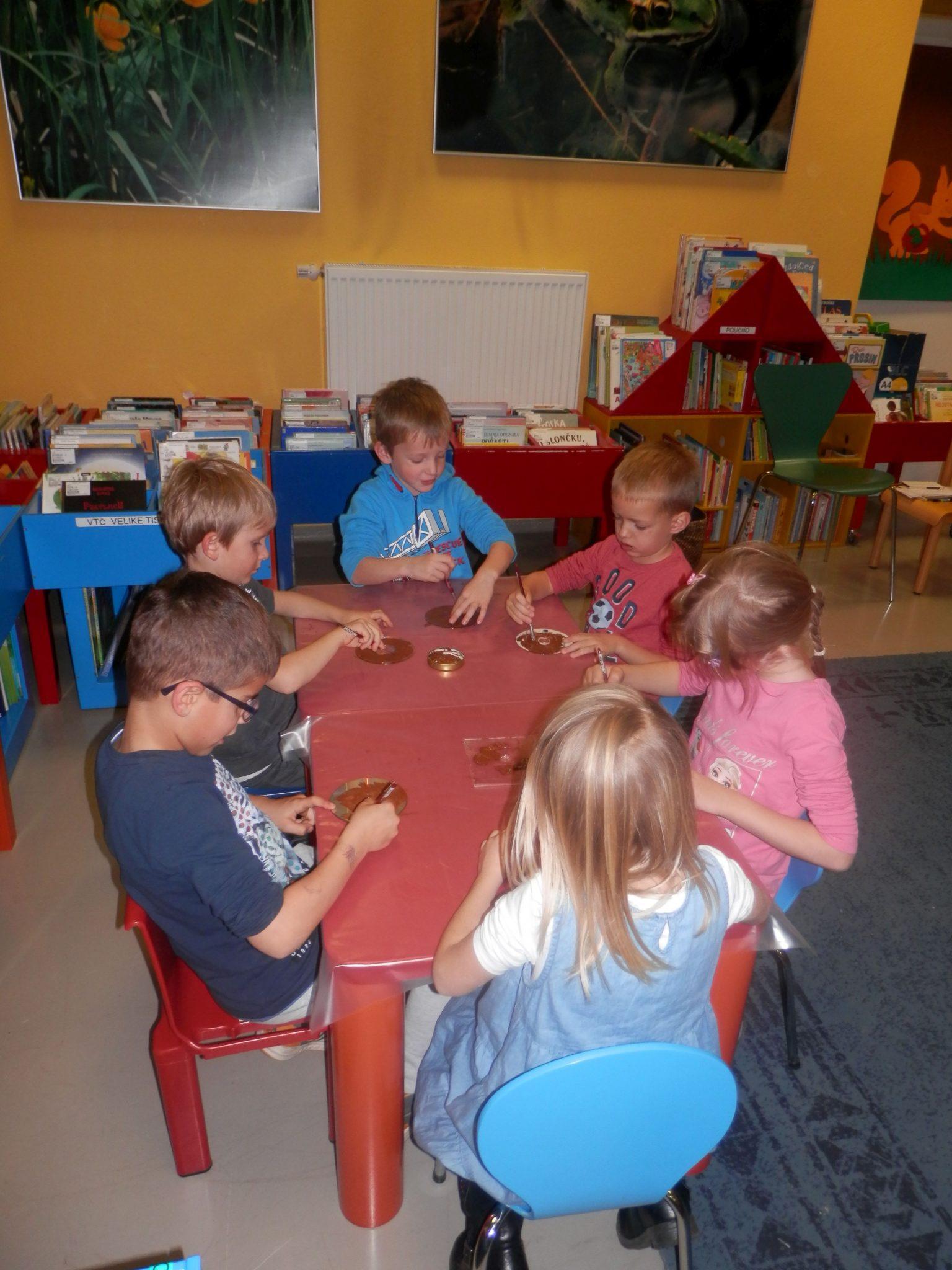 PB230045 - HU-HU pravljična urica z ustvarjalno delavnico za otroke od 4. leta dalje