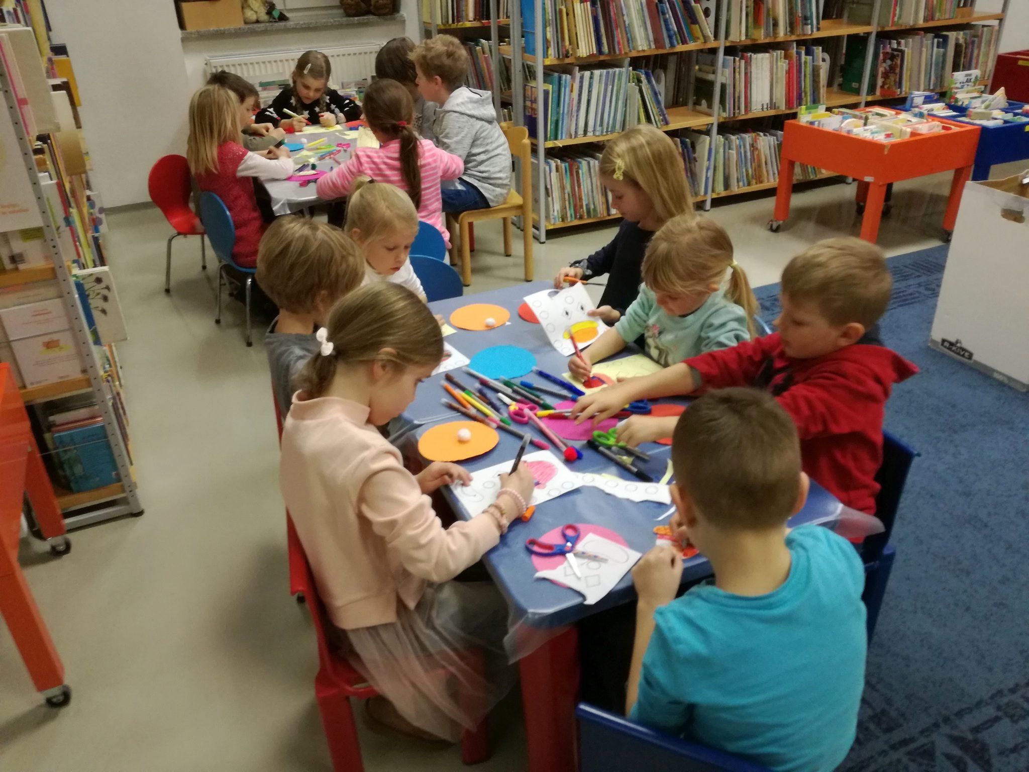 IMG 20180215 175120 - Ena okrogla pravljična urica z ustvarjalno delavnico za otroke od 4. leta dalje