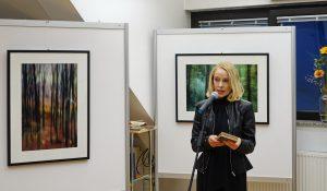 DSC08855 300x175 - Andreja Peklaj: Domovanje skrivnosti - odprtje fotografske razstave