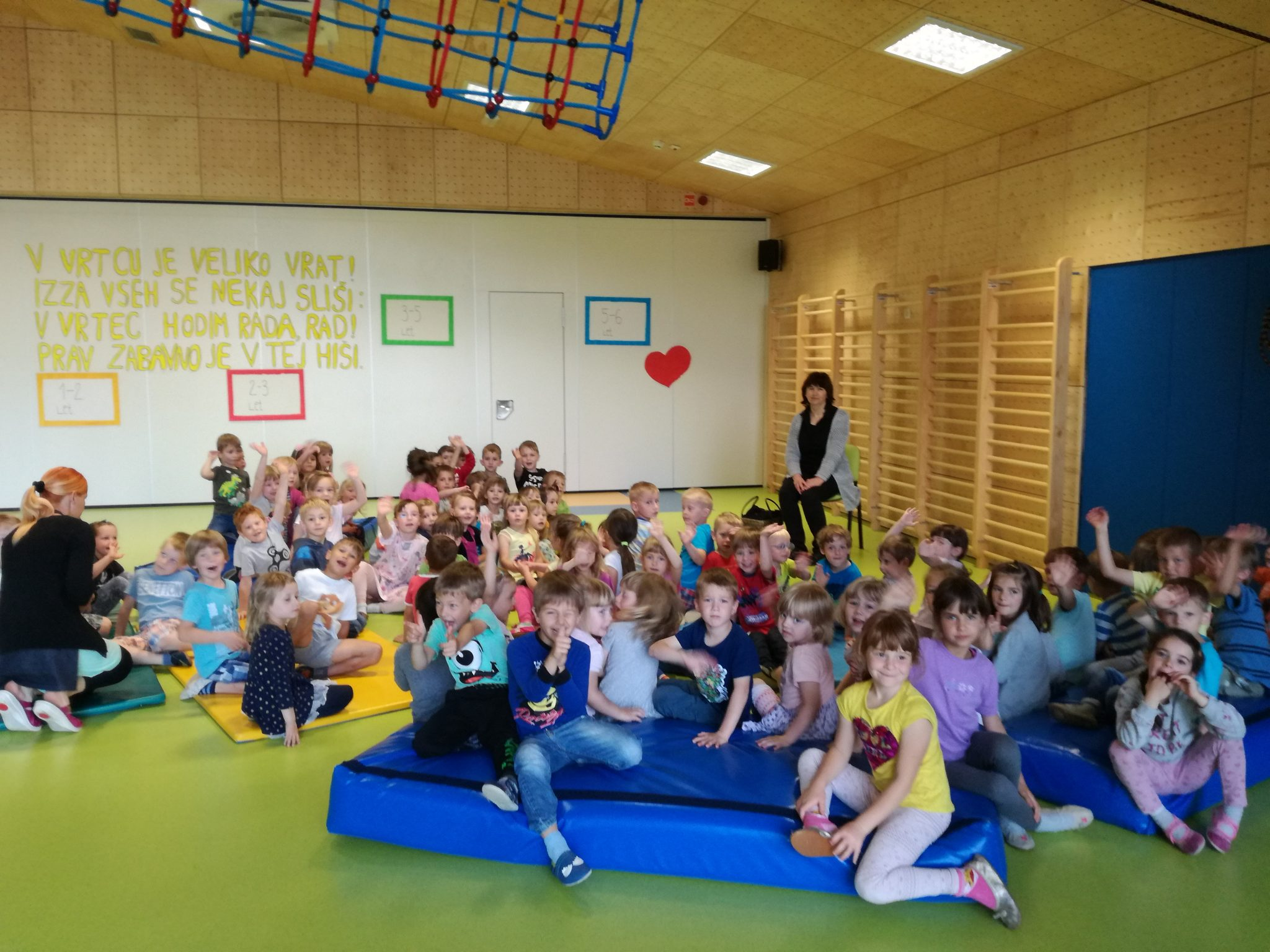 IMG 20180531 085955 - Palček Bralček je z otroki bral tudi v starejših vrtčevskih skupinah
