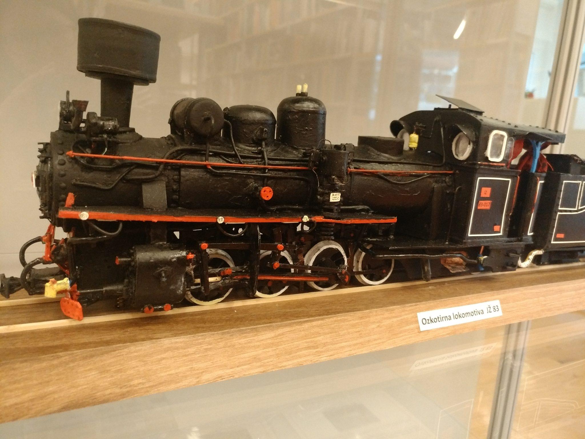 IMG 20181112 110816 - Zvone Ivančič: 160 let južne železnice – razstava maket lokomotiv in izbora znamk