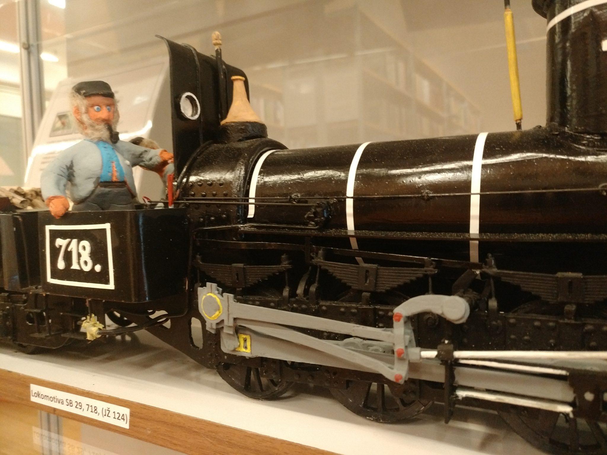 IMG 20181112 110824 - Zvone Ivančič: 160 let južne železnice – razstava maket lokomotiv in izbora znamk