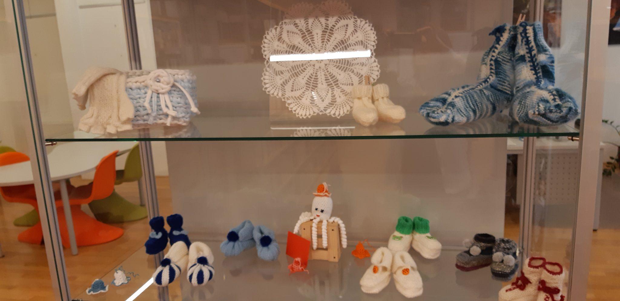 20181119 095737 - Marinka Ivančič - razstava kvačkanih in pletenih izdelkov