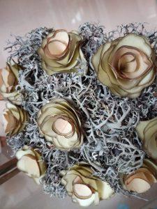 IMG 20181106 142447 225x300 - Rokodelska skupina Lesenke - razstava lesenih rož