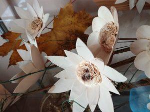 IMG 20181106 142455 300x225 - Rokodelska skupina Lesenke - razstava lesenih rož