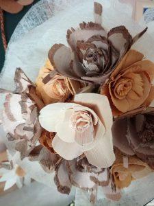 IMG 20181106 142503 225x300 - Rokodelska skupina Lesenke - razstava lesenih rož