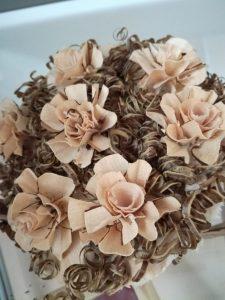 IMG 20181106 142516 225x300 - Rokodelska skupina Lesenke - razstava lesenih rož