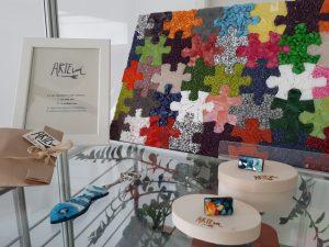20190214 082132 300x225 - Eva Ule – ARTEvá - razstava unikatnih mozaičnih miniatur