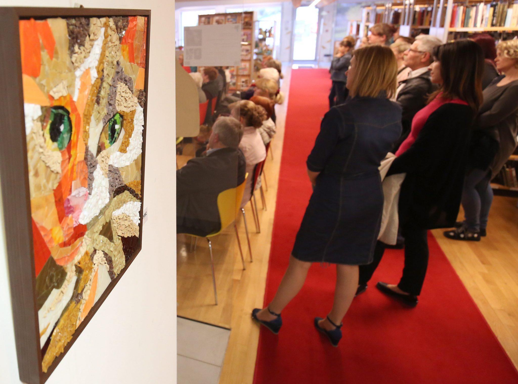 RAZSTAVA MOZAIKOV 08 FOTO LJUBO VUKELIČ - Odprtje razstave - Pogled v živalski svet - sekcije Mozaik KD Rak Rakek