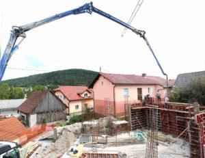 135466KNJIŽNICA CERKNICA 04 FOTO LJUBO VUKELIČ 300x231 - Bliža se odprtje prizidka
