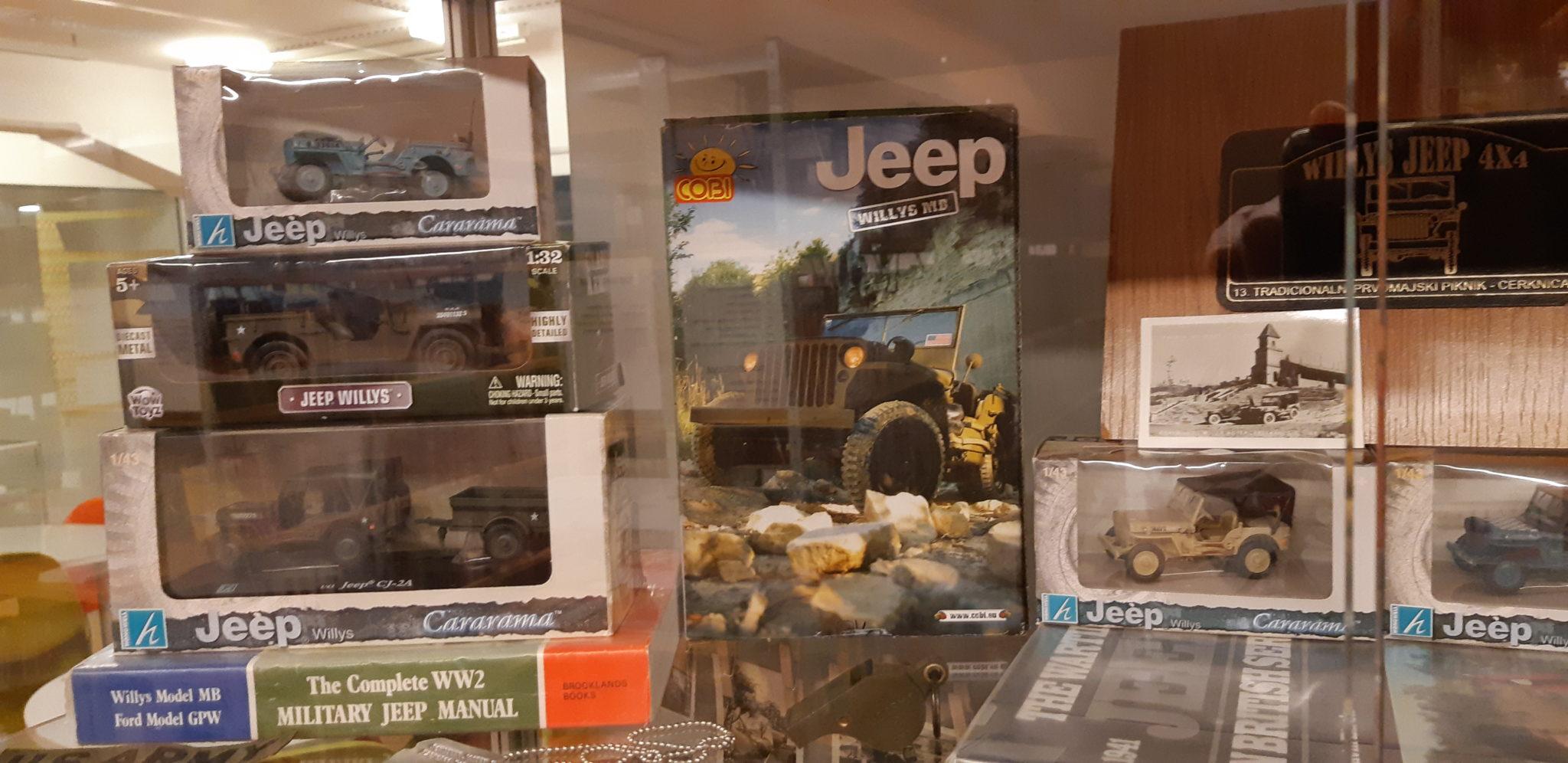 20190521 193544 - Luka Zalokar - razstava zbirke Jeep '43